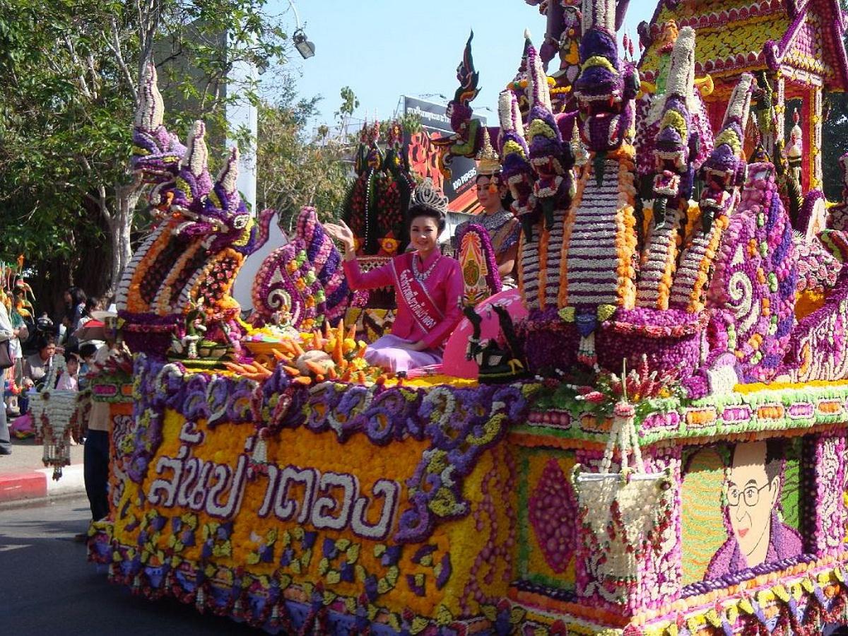 chiang mai flower festival