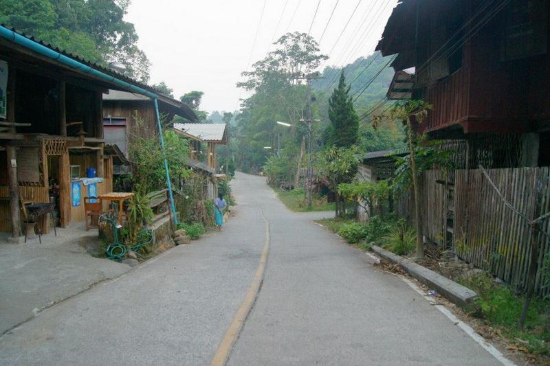 ban mae khumpong village, ban mae khumpong, baan mae kampong