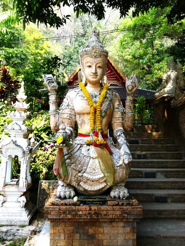 wat pha lat, pha lat temple