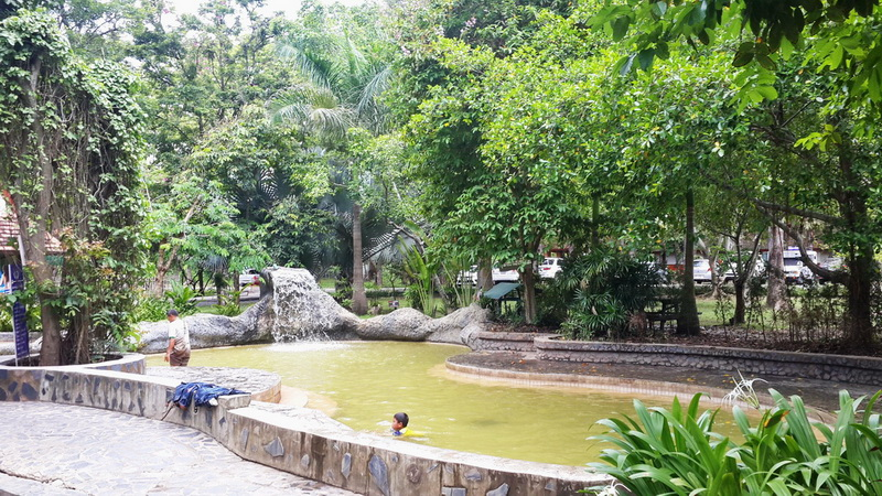 san kham phang hot spring, sankampang hot springs, san kamphaeng hot springs, san kham phang hot springs